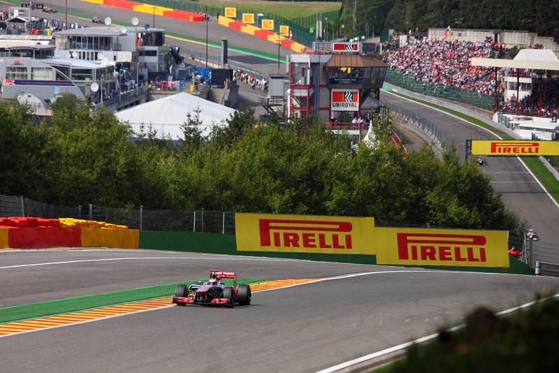 Jenson Button at Eau Rouge 2-9-2012 (IMG_9509) 4k