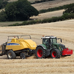 Fenot 828 and New Holland BB9090 Baler