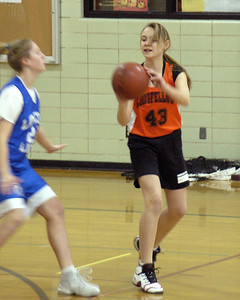 +090303 C Bball vs Lincoln W 21-7 021