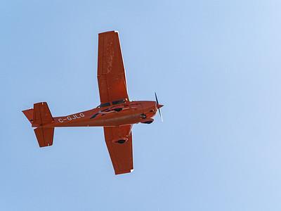 Low flight by Barry Headrick