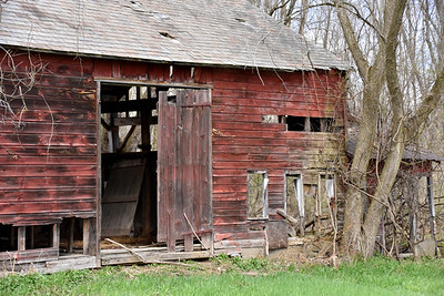 """Hudson River Barn"""