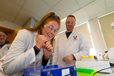 30/03/2019. FREE TO USE IMAGE. Thousands of CAO, part-time and postgraduate applicants visited WIT's Spring open events on Friday evening and Saturday morning. WIT is Ireland's top ranked institute of technology. Pictured are Shauna Mullowney from Portlaw with Lee Coffey science lecturer. Picture: Patrick Browne