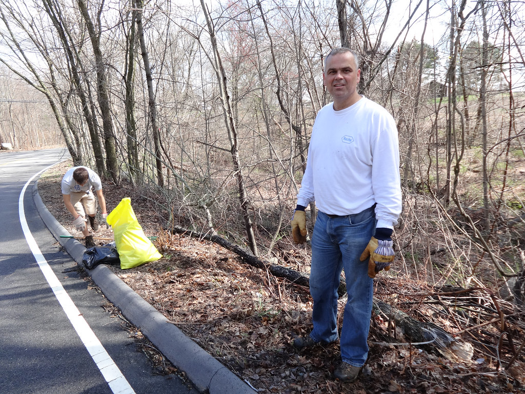 . Randy Burton of Billerica focused his efforts along Webb Brook Road near the Billerica Lodge of Elks where Billerica Boy Scouts Troop 30 meets. Photo by Mary Leach