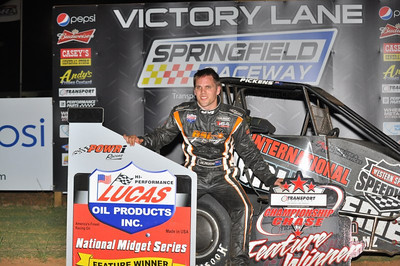 New Zealand's Pickens takes 4th straight victory in POWRi National Midgets at Springfield
