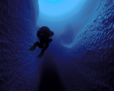 Paul Heinerth leaving Ice Island Cave #4