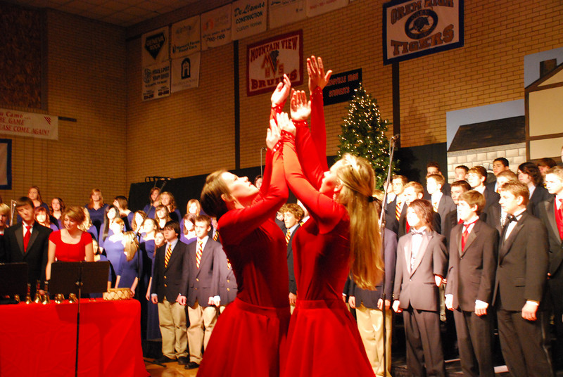 MS Choir Dinner 2008 016
