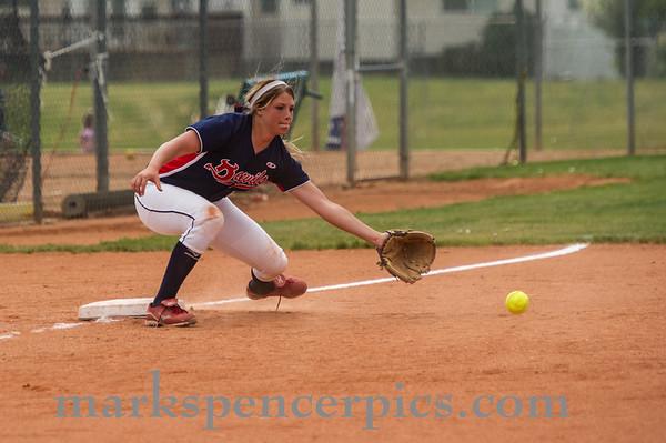 Springville Softball Groups 2013-056