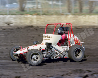 1982-7 Iowa State Fairgrounds USAC midgets, Wolf won the feature