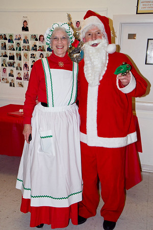 Barbara and Frank Erbacher at 49ers Christmas party 2010