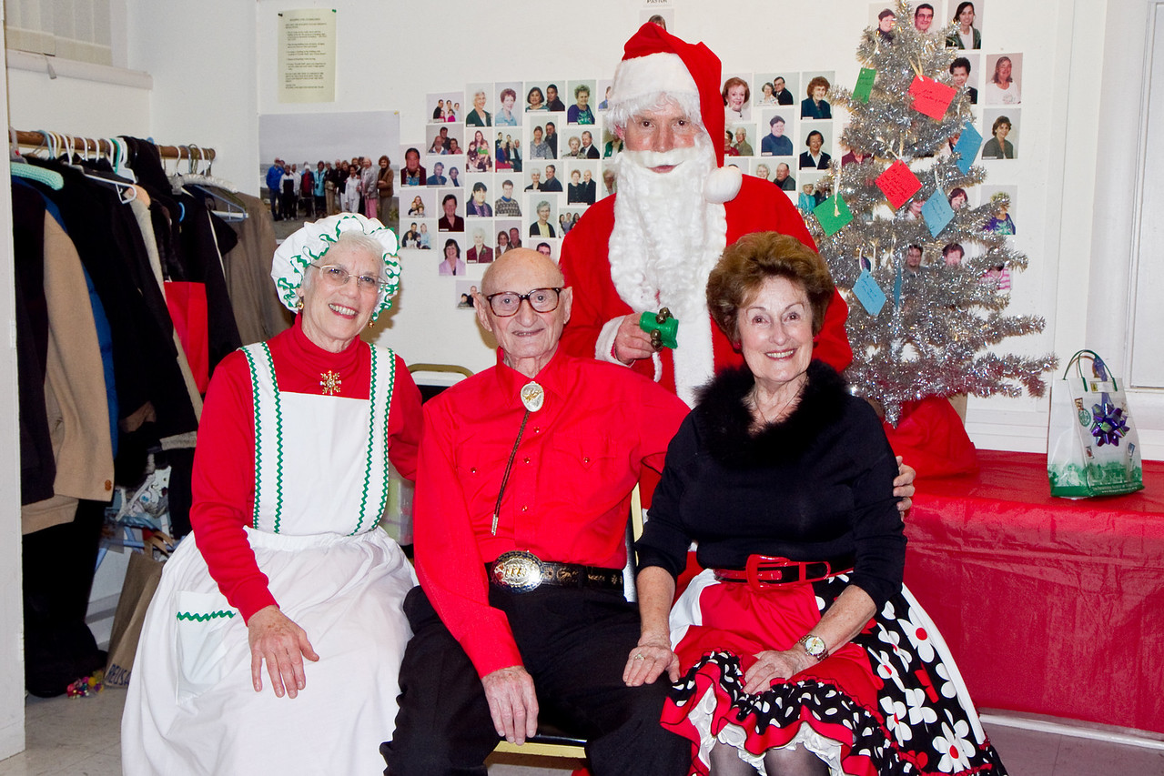 Sol Fenster and Connie Francis with Barbara & Frank Erbacher at 49ers Christmas party 2010