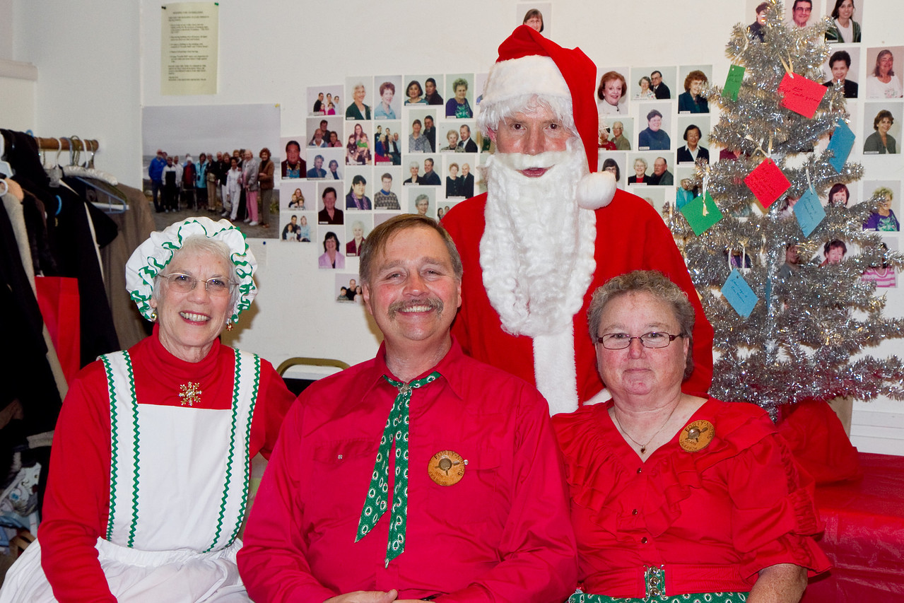 Ron and Joann Swanson with Barbara & Frank Erbacher at 49ers Christmas party 2010