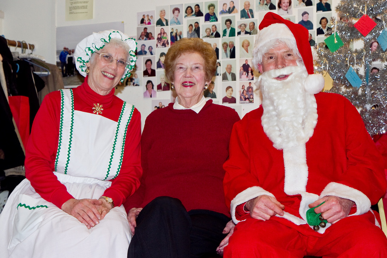 Hazel Farrell with Barbara & Frank Erbacher at 49ers Christmas party 2010