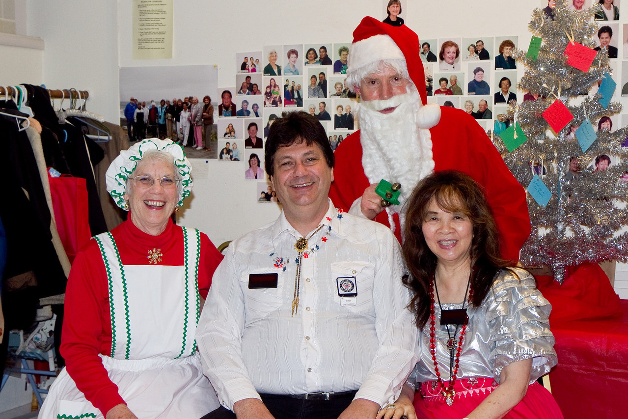 Tony and Anne with Barbara & Frank Erbacher at 49ers Christmas party 2010