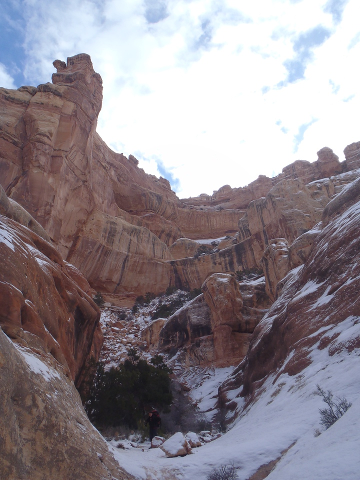 Coming down from Druid Arch (It snowed overnight)