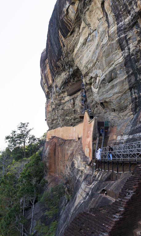 Sigiriya Rock: Climbing the Lion Rock in Sri Lanka
