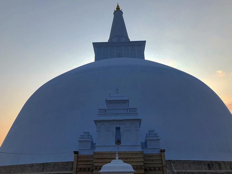 Ruwanwelisaya Stupa, 2018