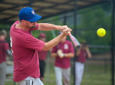 2018_05_19_St Andrew_Softball_016_v1