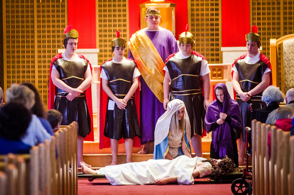 . Students from Saint Anna Catholic School in Leominster perform Living Stations of the Cross at St. Anna Parish on Friday, April 14, 2017.  SENTINEL & ENTERPRISE / Ashley Green