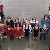 """W009<br /> De school telde toen 12 klassen. Precies genoeg om elke klas een letter te laten vormen van """"St.Annaschool"""". De foto's werden genomen vanuit het """"kaartenkamertje"""", achteraan de gang boven. Zie ook KL0511"""