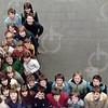 """W012<br /> De school telde toen 12 klassen. Precies genoeg om elke klas een letter te laten vormen van """"St.Annaschool"""". De foto's werden genomen vanuit het """"kaartenkamertje"""", achteraan de gang boven."""