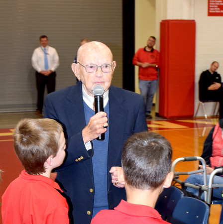 World War II U.S. Navy Veteran George Mette speaks during the St. Anthony Grade School Veterans Day program held Friday morning. Charles Mills photo