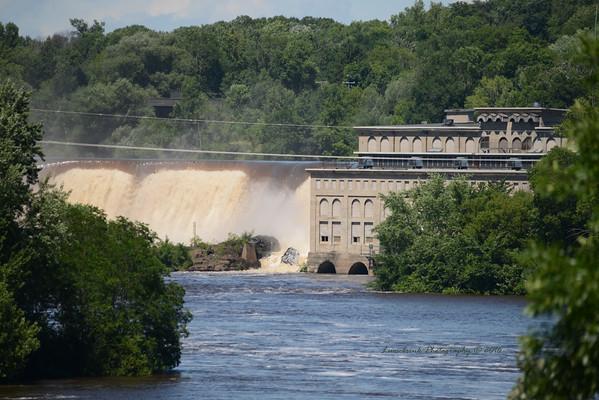 St. Croix Falls Dam Crashing