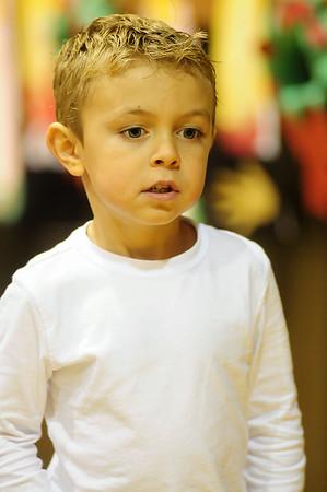 2011-12-19 John XXIII Kindergarten Christmas Play