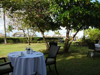 St. Lucian Honeymoon: Champagne Brunch and Exploration