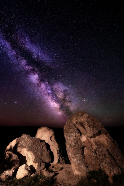 Rock bolder near Grandview Idaho with Milky Way