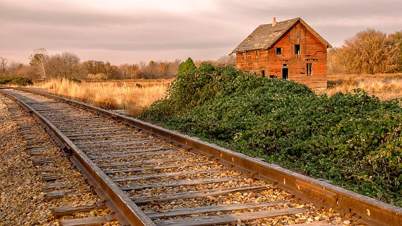 Emmett Barn and Railroad Tracks
