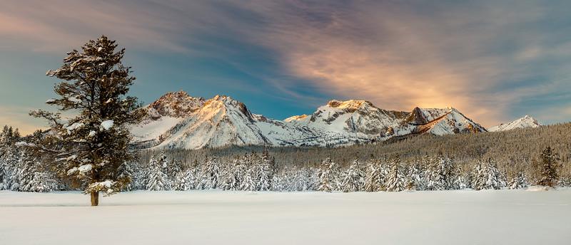 Sunrise on Williams Peak winter
