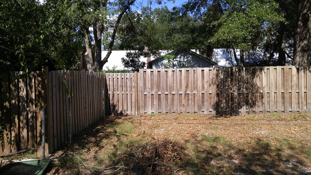 527 E Jones, 'Serenity' back fence/parking
