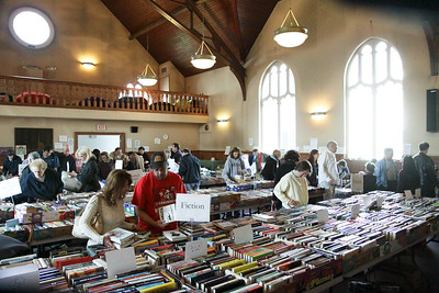Book sale, St Paul's Episcopal Church, October 31, 2010