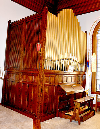 The St. Paul Blue Point Lutheran Church pipe organ was installed in 1919 and renovated twice in 1981 and 2003. Charles Mills photo