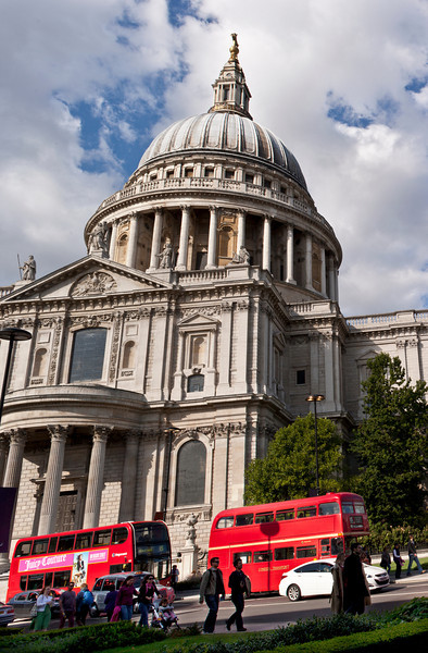 Red London Buses and St Paul's Cathedral
