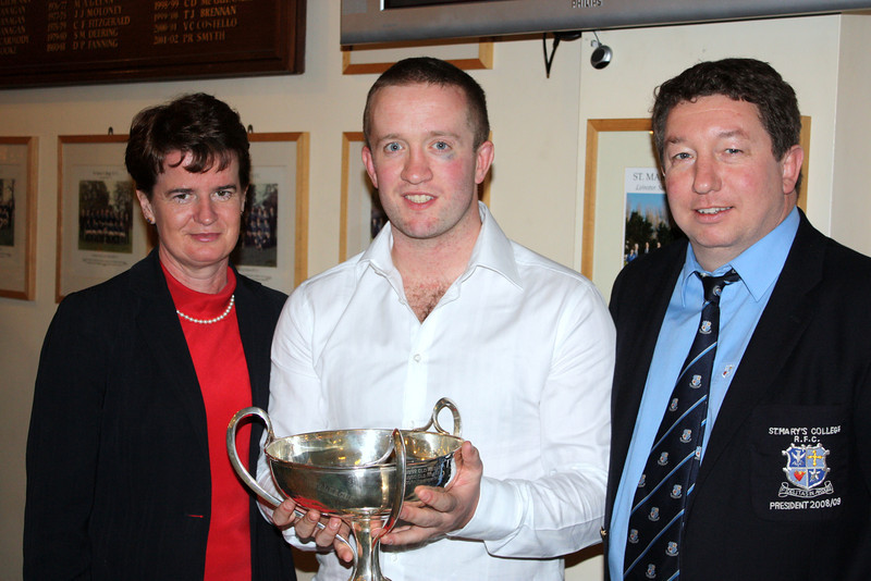 Metro J2 League Winners<br /> <br /> Dorothy Collins (Hon Sec Leinster Branch), Rob Ryan (J2 Captain), Eoin Quinn (President)