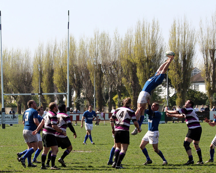 Acrobatics in the lineout!!!