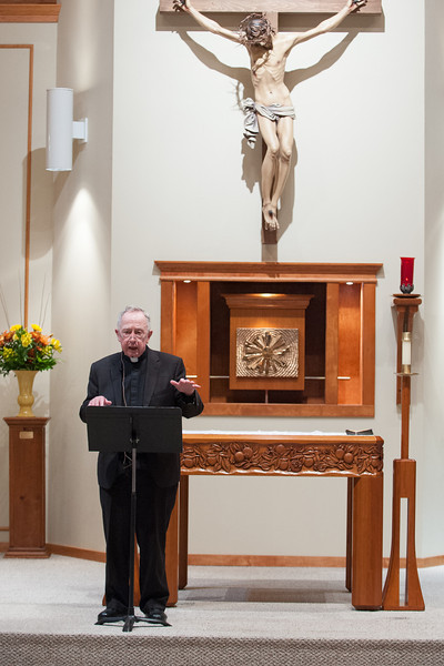 Fr. John O'Malley speaking to the parishioners of St Matthew about what happened at the Vatican II Council.