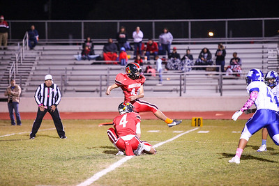 The Horseman take down the Cardinals in District 2/5-4A battle in Las Vegas on October 20, 2017. St.Michaels upset Robertson in 33-27 win. Gabriela Campos/The New Mexican