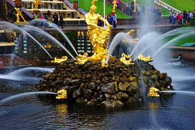 The Grand Cascade and Samson Fountain   Samson and the Lion, by Mikhail Kozlovsky