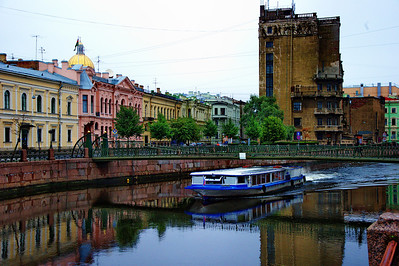 StPetersburg_Canal-tour-boat_TRA5144