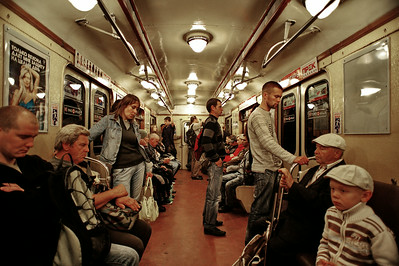 StPetersburg_People_Subway_TRA5127