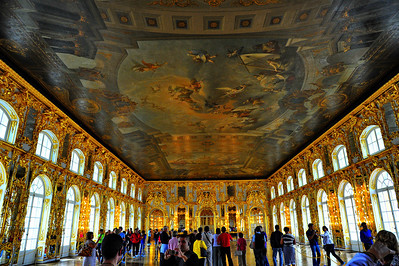 StPetersburg_Catherine_Palace_Gilded_room_ceiling_TRA5441