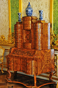 StPetersburg_Catherine_Palace_Desk_TRA5501