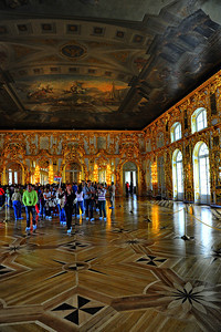 StPetersburg_Catherine_Palace_gilded-room_TRA5445