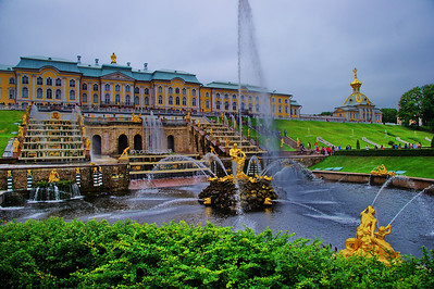 StPetersburg_Peterhof_Front-fountain_TRA5376
