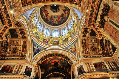 You can't help but look up at the ceiling. St. Isaac's Cathedral