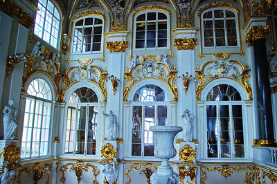 StPetersburg_Hermitage_Gold_ornate_walls_TRA5171