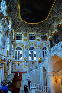 StPetersburg_Hermitage_Main-staircase_TRA5170