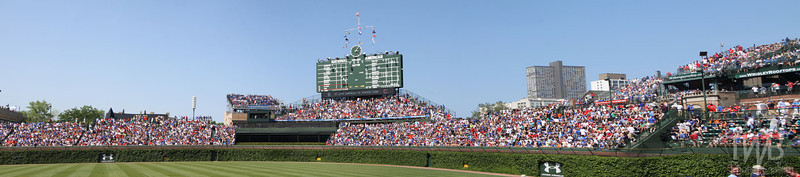 Wrigley Field - Chicago Cubs (Centered Scoreboard)